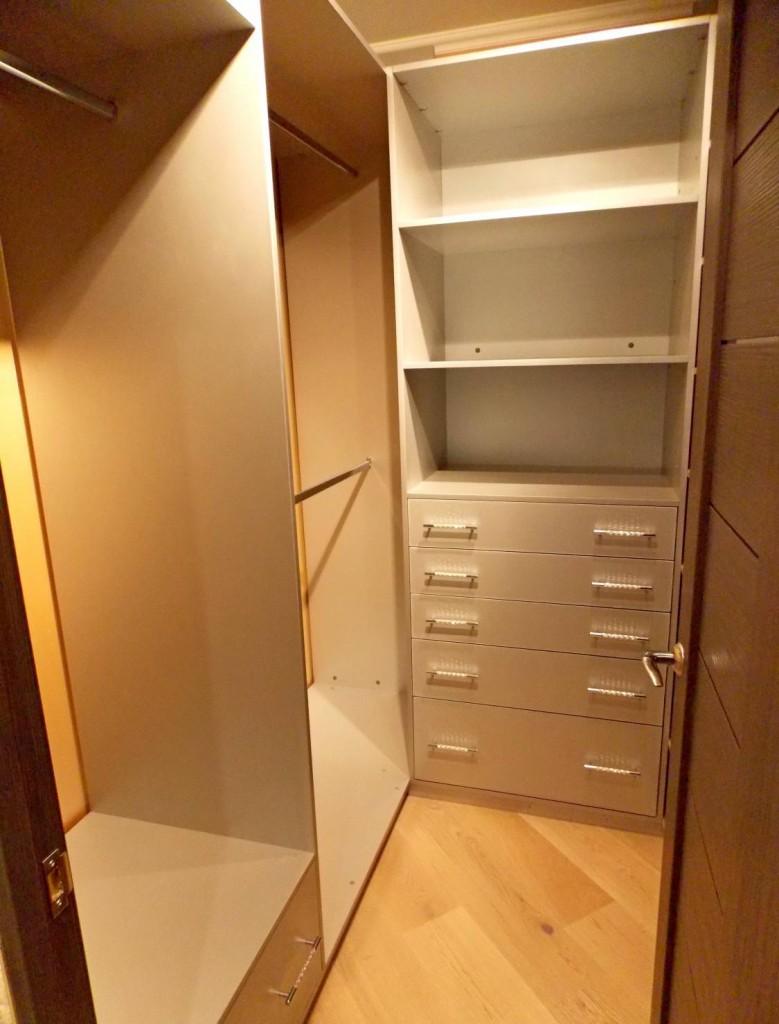 Гардеробная комната из маленькой кладовки своими руками